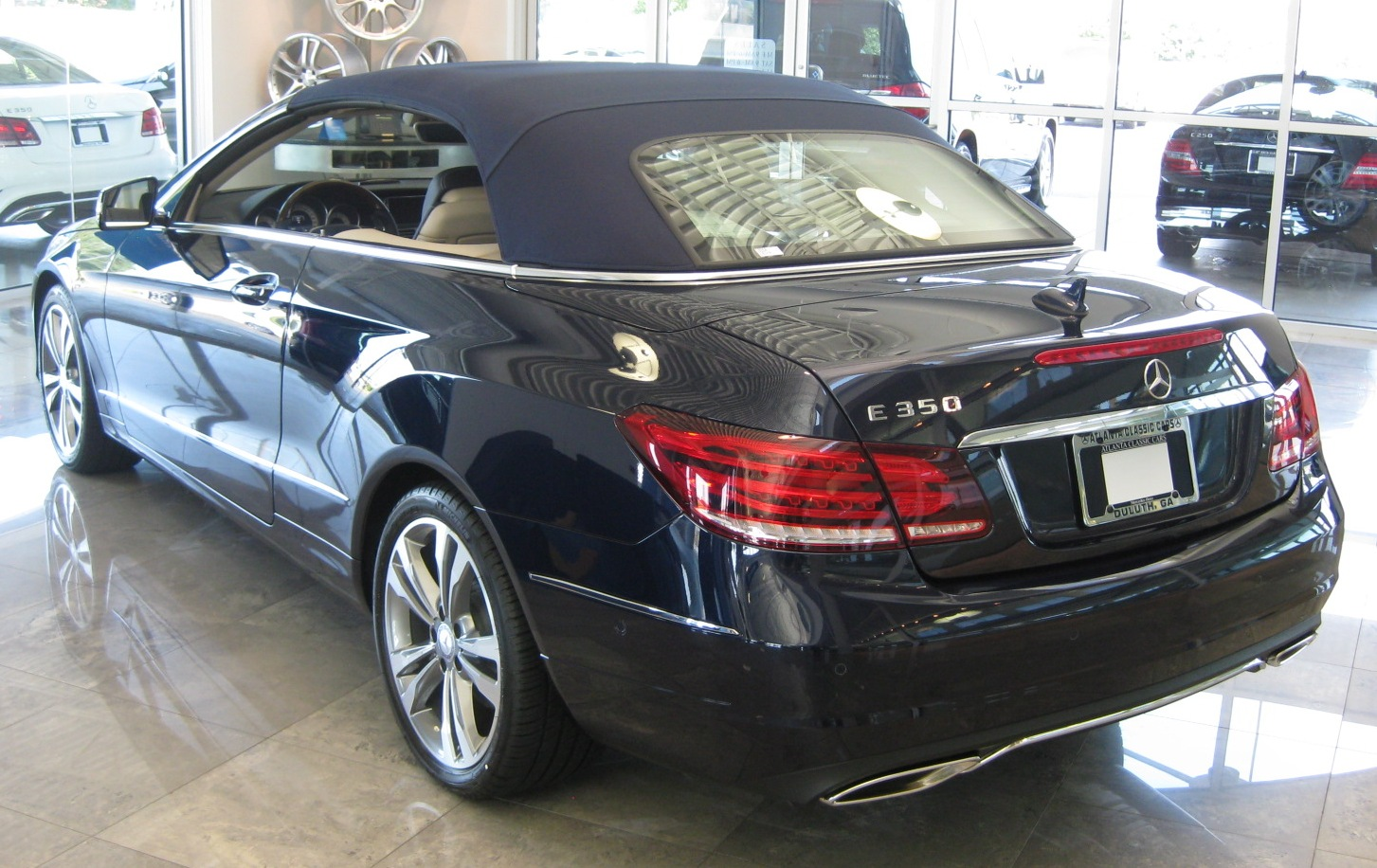 Benzblogger Blog Archiv 2014 Mercedes Benz E Class Cabriolet Soft Top Colors Red Blue And Brown